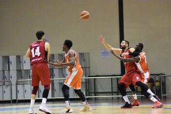Nuevo partido y premio para el Isover Basket Azuqueca