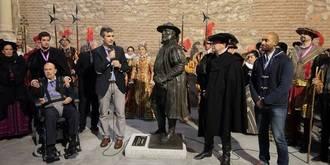 Guadalajara rinde homenaje al Tenorio Mendocino descubriendo una escultura inspirada en Javier Borobia