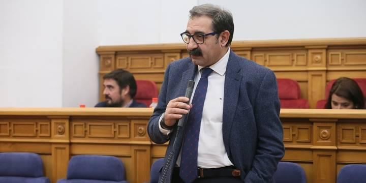 """Denuncian que el Gobierno de Page """"no quiere responder cuándo abrirá el parking del Hospital de Guadalajara"""""""