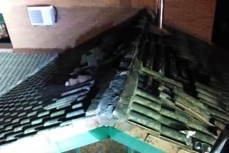 Una mujer y tres niños intoxicados por el incendio de una vivienda en Alovera