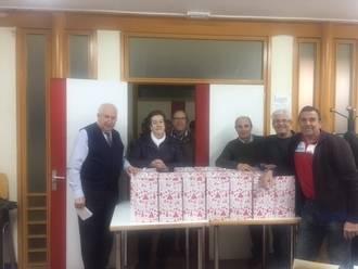 La Asociación de Pensionistas por Enfermedad e Invalidez de Guadalajara entrega 300 cestas navideñas a familias con menos recursos