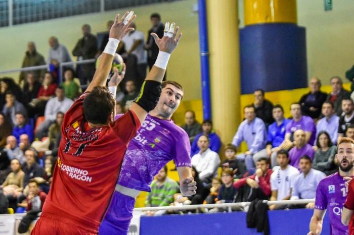 El Quabit Guadalajara se crece ante el Bada Huesca (32-23)