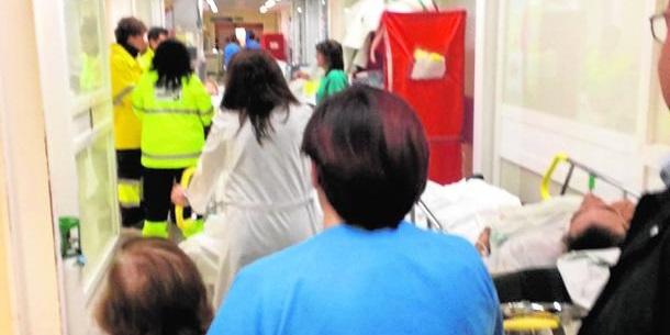 Caos en la Sanidad de Page/Podemos en Castilla La Mancha: Citas para 2018, urgencias colapsadas y hacinamiento en los pasillos