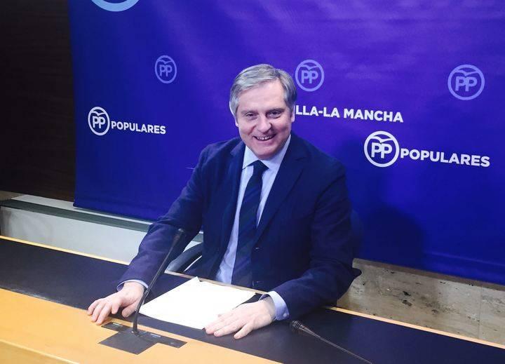 """Cañizares critica la """"situación indigna"""" que están viviendo los pacientes y los profesionales de la Sanidad de la región"""