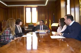 El presidente de la Diputación de Cuenca aplaude la encomiable labor de la Asociación 'Jamaban' en la comarca de Casasimarro