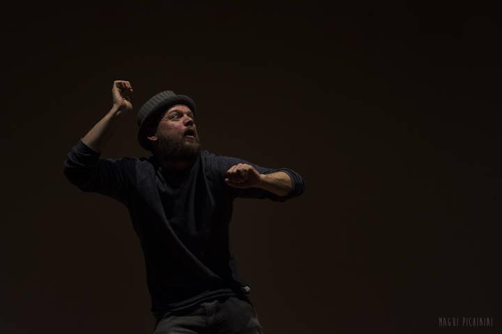 El campeón internacional de 'poetry slam', Dani Orviz, en el Viernes de los Cuentos