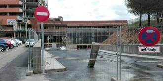 """Denuncian """"afán recaudatorio"""" de Page con el parking del Hospital de Guadalajara y le exigen que ponga fecha a su apertura"""