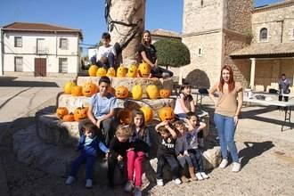 Fuentenovilla se une en torno a sus tradiciones de Todos Los Santos