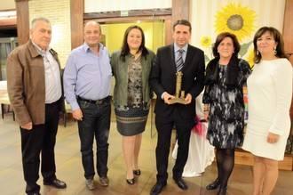 Eladio Freijo recibe su Premio Trigo y Miel