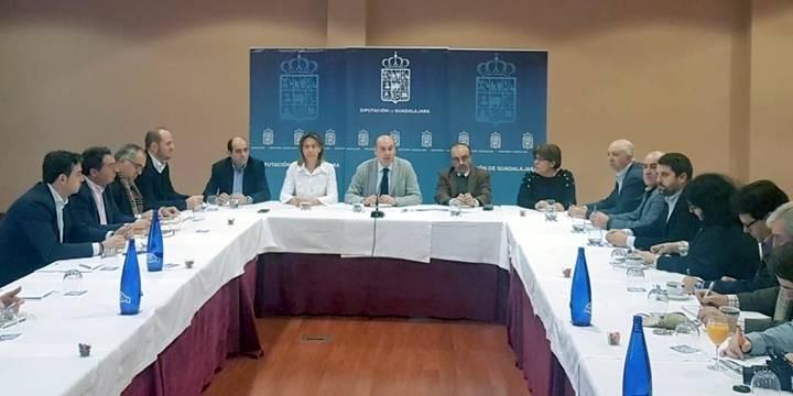 Latre hace balance de 2016 en Diputación: Inversión, Viaje a La Alcarria y Servicio Provincial de Residuos