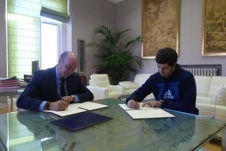 La Diputación colabora con las actividades del Club Triatlón en la provincia