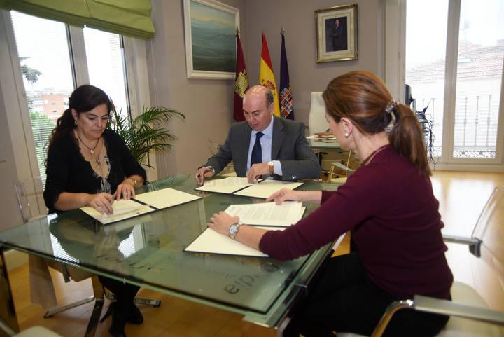 La Diputación y UNICEF renuevan su colaboración para seguir desarrollando iniciativas a favor de la infancia