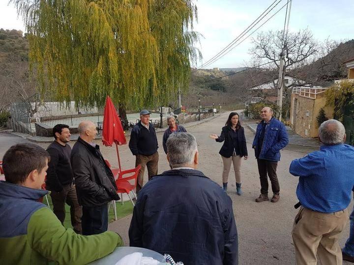 El presidente de la Diputación visita las localidades de Puebla de Valles y Valdesotos
