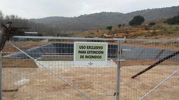 Brihuega cuenta ya con una balsa de agua para ayudar a combatir los incendios en la comarca