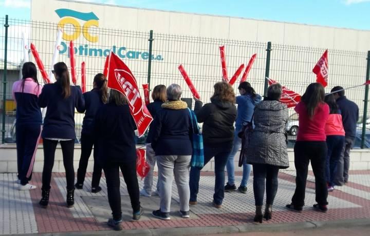 """Paros en la empresa Optimal Care de Yunquera contra """"los recortes de derechos de los trabajadores"""""""