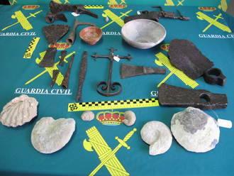 El Seprona incauta fósiles y metálicas de la época romana con los que se comercializaba en la zona de Jadraque