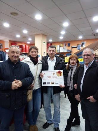 Canchal Modas inaugura las compras de los Reyes Millonarios Solidarios 2016