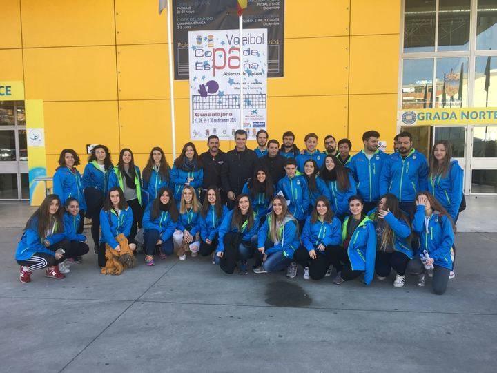El alcalde de Guadalajara recibe en el Multiusos a los equipos que participarán en la IV Copa de España de Voleibol de Clubes