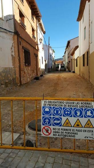 Nuevo pavimento de adoquines para la calle Aragón de Pareja