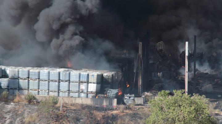 Bruselas investiga el incendio en la planta de reciclaje de Chiloeches