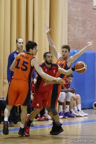 Importantísima victoria del Isover Basket Azuqueca