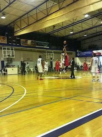 El Isover Basket Azuqueca sin opciones ante el Naútico de Tenerife