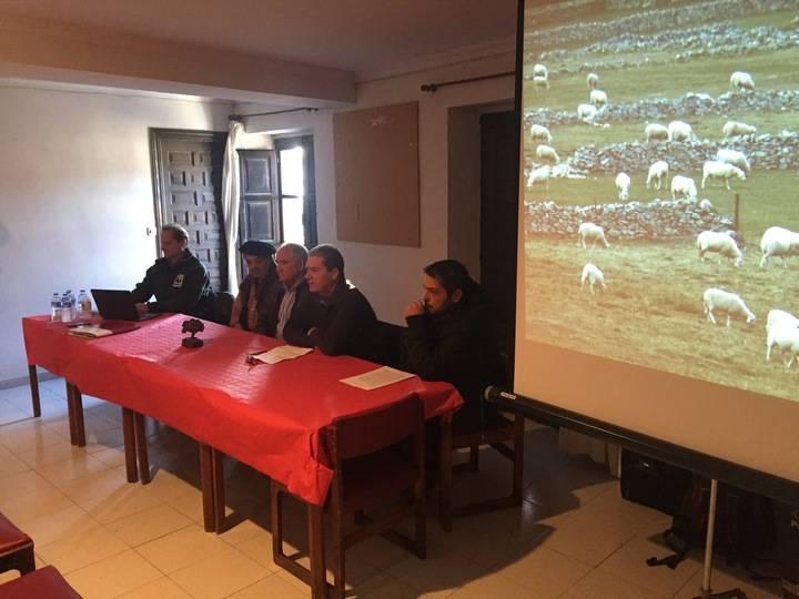 Los ganaderos de Guadalajara se informan sobre medidas y ayudas para los ataques de lobos