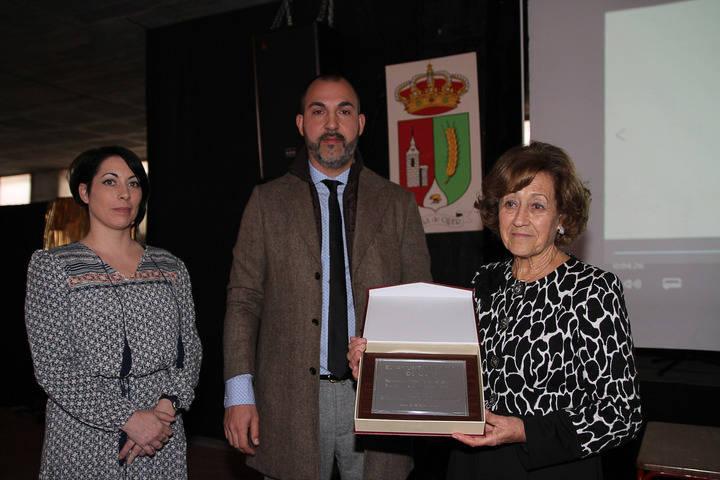 Juana Caballero homenajeada por su trayectoria vital en Quer