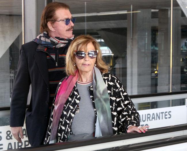 SEMANA María Teresa y Bigote vuelven felices de Lanzarote
