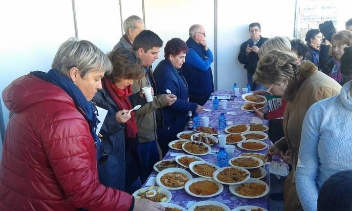 Más de 2.000 personas acuden a la cita con la gastronomía tradicional jadraqueña con las Migas en la que han concursado 50 calderas