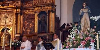 Molina de Aragón se anticipó este miércoles a la Navidad con su particular y emotiva Misa del Gallo