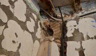 Hallan los restos de una mezquita al hacer obras en una panadería de Santo Tomé, en Toledo