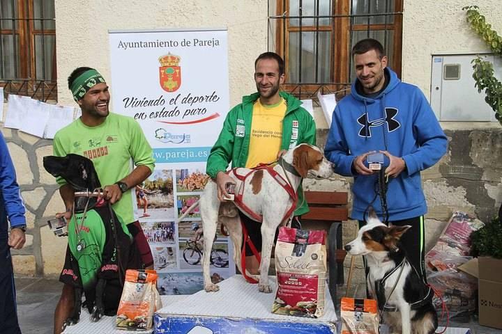 Juan Carlos de la Luz y Neo vencen, en un apretado final, el I Canicross de Pareja