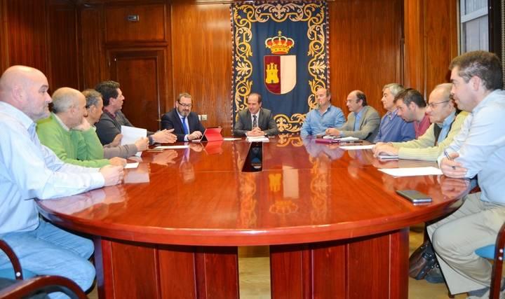 La Junta y la Asociación de Municipios Gancheros acuerdan que la festividad de este año homenajeará a José Luis Sampedro