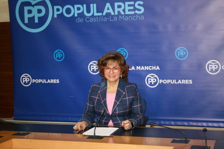 """Riolobos acusa a Page de """"quitar dinero de los enfermos para despilfarrar en duplicar organismos"""""""