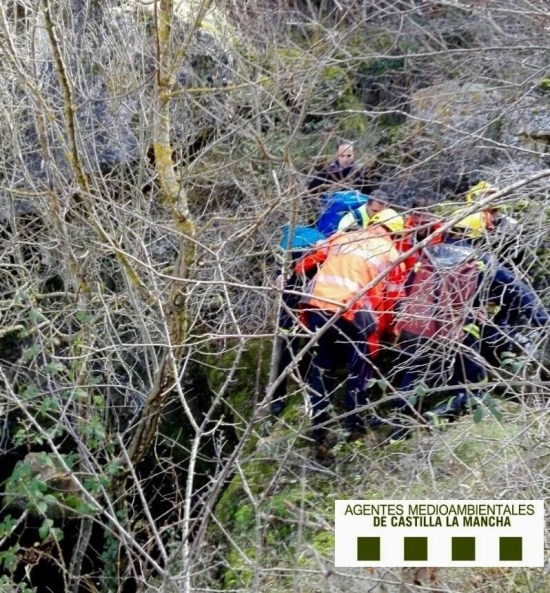 Trasladan al Hospital de Guadalajara al montañero accidentado que tuvo que ser rescatado en Sigüenza
