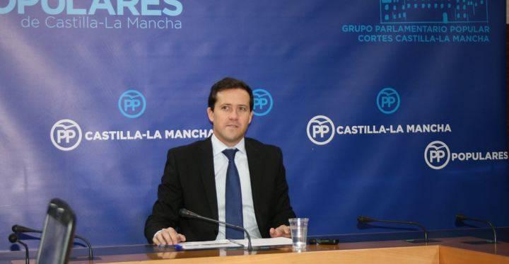 """Velázquez denuncia """"el sufrimiento de los pacientes y del personal sanitario por el colapso derivado de la mala gestión de Page"""""""