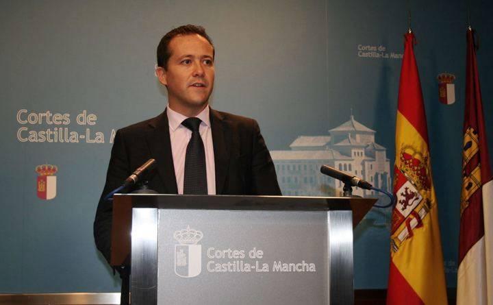 """Velázquez critica a Page """"por abandonar a las víctimas e intentar cerrar en falso la crisis de la legionela de Manzanares"""""""