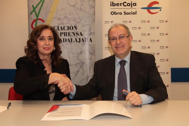 Ibercaja renueva sus ayudas a la Asociación de la Prensa de Guadalajara