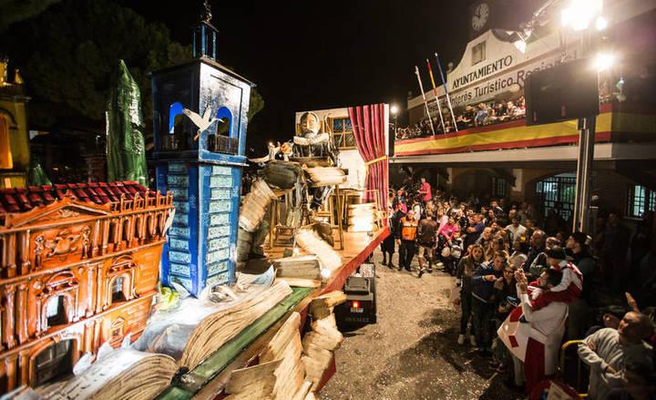 La exposición fotográfica del concurso Desfile de Carrozas de Azuqueca se puede visitar hasta el 18 de noviembre