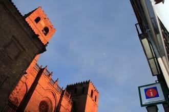 Casi dos millones de turistas han pasado por la ciudad del Doncel desde 1996