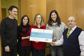 Ademgu recibe 3.000 euros recaudados en el I Día Solidario de las Asociaciones de Trillo
