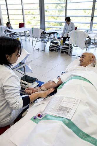 Casi 100 nuevos donantes y más de 140 donacione durante el Maratón de donación de sangre en Guadalajara