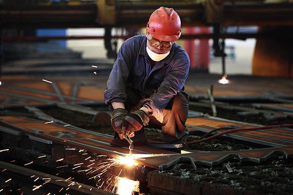 3.000 trabajadores respiran tranquilos tras la firma del convenio del metal en Guadalajara