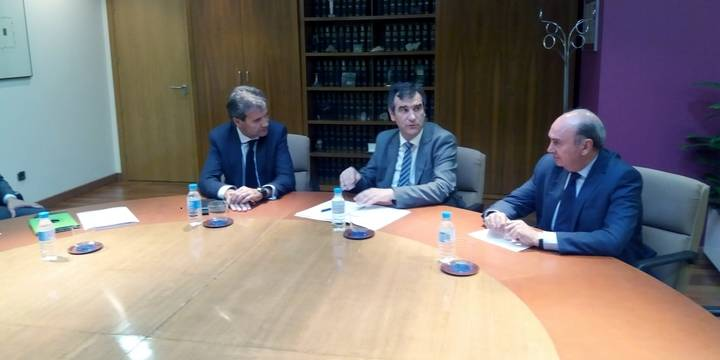 Román y Latre solicitan al presidente de RENFE la mejora del Cercanías entre Guadalajara y Madrid
