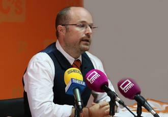 """Ruiz: """"Pedimos al PP y al PSOE que cumplan con el pacto antitransfuguismo que ambos firmaron y que ninguno está cumpliendo"""""""