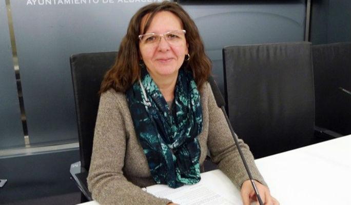 """Decenas de trabajadores de la Diputación de Albacete llaman """"puta"""" y """"comunista"""" a una diputada"""