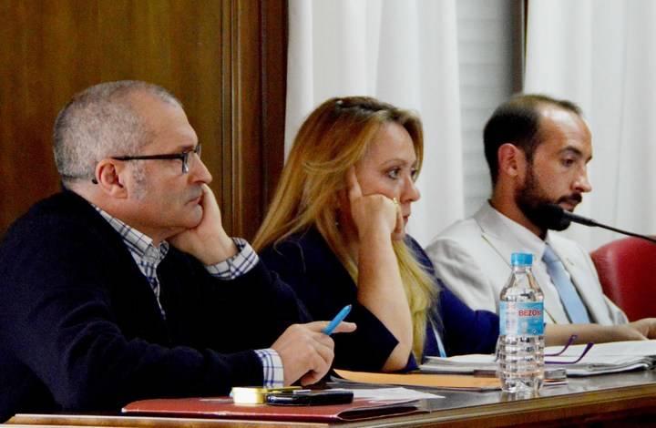"""El PP rechaza en Azuqueca """"los presupuestos del derroche que saldrán muy caros al pueblo y pagarán los vecinos"""""""