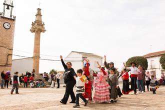 Niños y mayores disfrutan del carnaval de Fuentenovilla