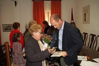 Pareja ha celebrado el Día del Libro en el marco de su 'Abril Cultural'